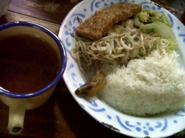 food @ Bancakan resto, Bandung! X9 yummy~! ;9