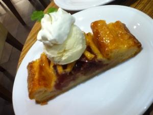 My birthday cake is an apple pie :D